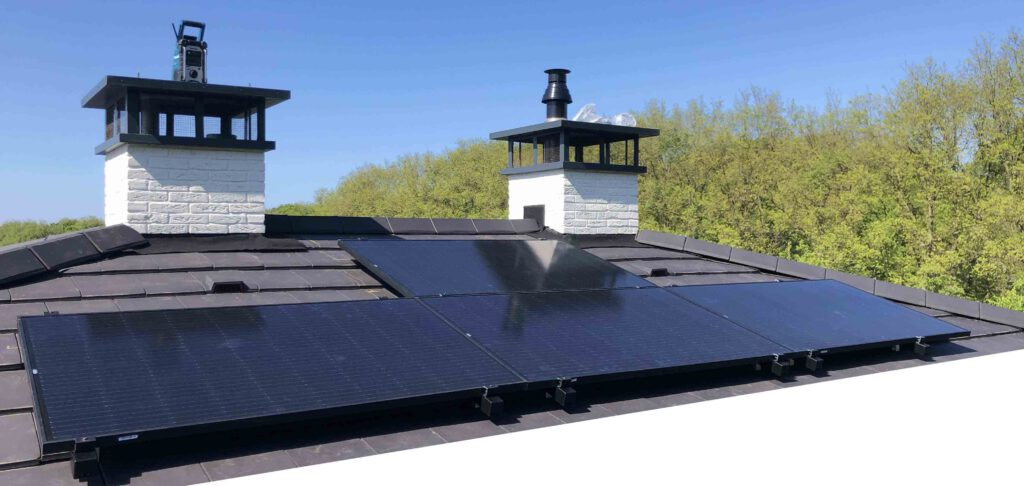 zonnepanelen installatie 8 x Denim 315 full black